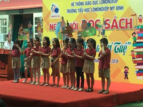 Niềm vui của học sinh tiểu học Lômônôxốp trong ngày hội đọc sách - Ảnh minh hoạ 8