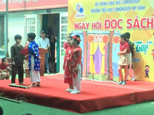Niềm vui của học sinh tiểu học Lômônôxốp trong ngày hội đọc sách - Ảnh minh hoạ 9