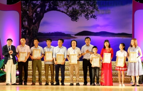 CĐ Văn hóa nghệ thuật Nghệ An tuyển thẳng 10 học sinh hát dân ca xuất sắc - Ảnh minh hoạ 2