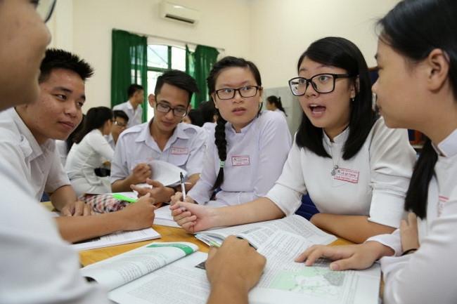 Tiếp thu lí luận và kinh nghiệm quốc tế trong chương trình giáo dục phổ thông mới