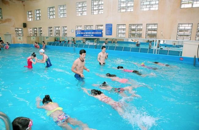 Ưu tiên phổ cập bơi cho học sinh Tiểu học