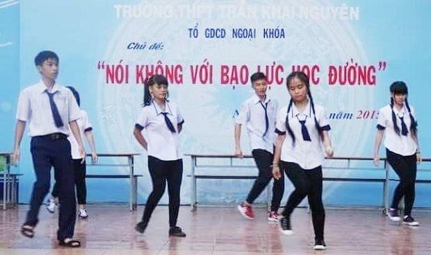 Công khai đường dây nóng kịp thời xử lý bạo lực học đường