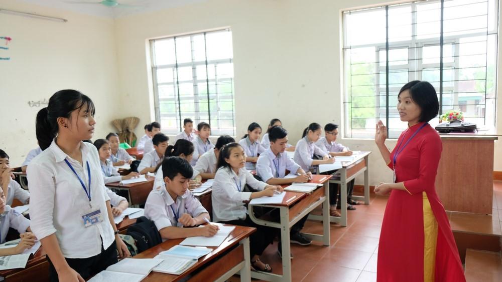 Gấp rút ôn tập cho HS thi vào lớp 10