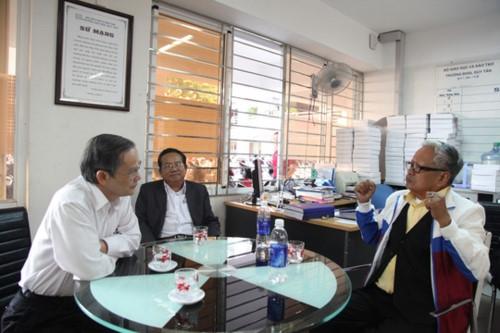 Bộ trưởng đăng đàn trả lời chất vấn, 2 ĐH Việt Nam lọt top 1.000 thế giới - Ảnh minh hoạ 4