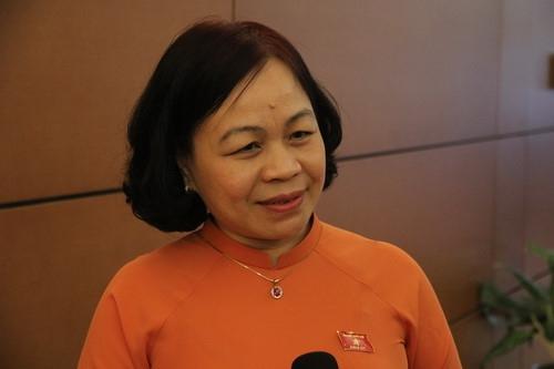 Đại biểu Quốc hội ghi nhận phần trả lời chất vấn của Bộ trưởng Phùng Xuân Nhạ - Ảnh minh hoạ 2