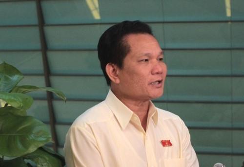 Đại biểu Quốc hội ghi nhận phần trả lời chất vấn của Bộ trưởng Phùng Xuân Nhạ - Ảnh minh hoạ 4