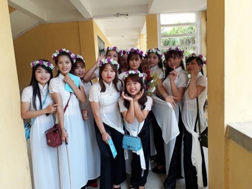 Sở GD&ĐT Lào Cai trực tiếp hướng dẫn, chỉ đạo tổ chức lễ tri ân, trưởng thành - Ảnh minh hoạ 2
