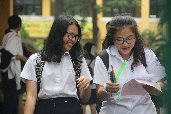 Thi vào lớp 10 tại TPHCM: Ô nhiễm rác thải nhựa, tình cảm gia đình… vào đề thi Văn