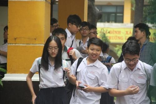 Thi vào lớp 10 tại TPHCM: Ô nhiễm rác thải nhựa, tình cảm gia đình… vào đề thi Văn - Ảnh minh hoạ 2