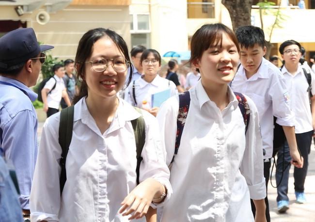Thí sinh Hà Nội hào hứng với bài thi Văn vào lớp 10
