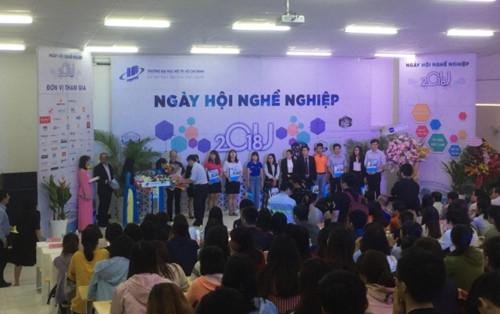 Hàng ngàn vị trí tuyển dụng cho sinh viên Trường ĐH Mở TPHCM - Ảnh minh hoạ 3