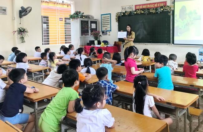 Mở rộng mạng lưới trường lớp để giải quyết tình trạng quá tải ở cấp tiểu học