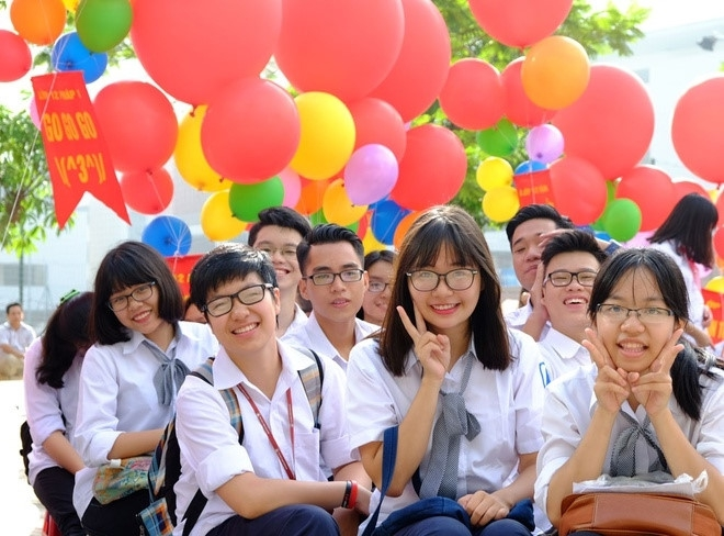 Hôm nay (8/8), học sinh Cao Bằng tựu trường