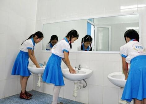 Hòa Bình yêu cầu thu thập thông tin về nhà vệ sinh trường học