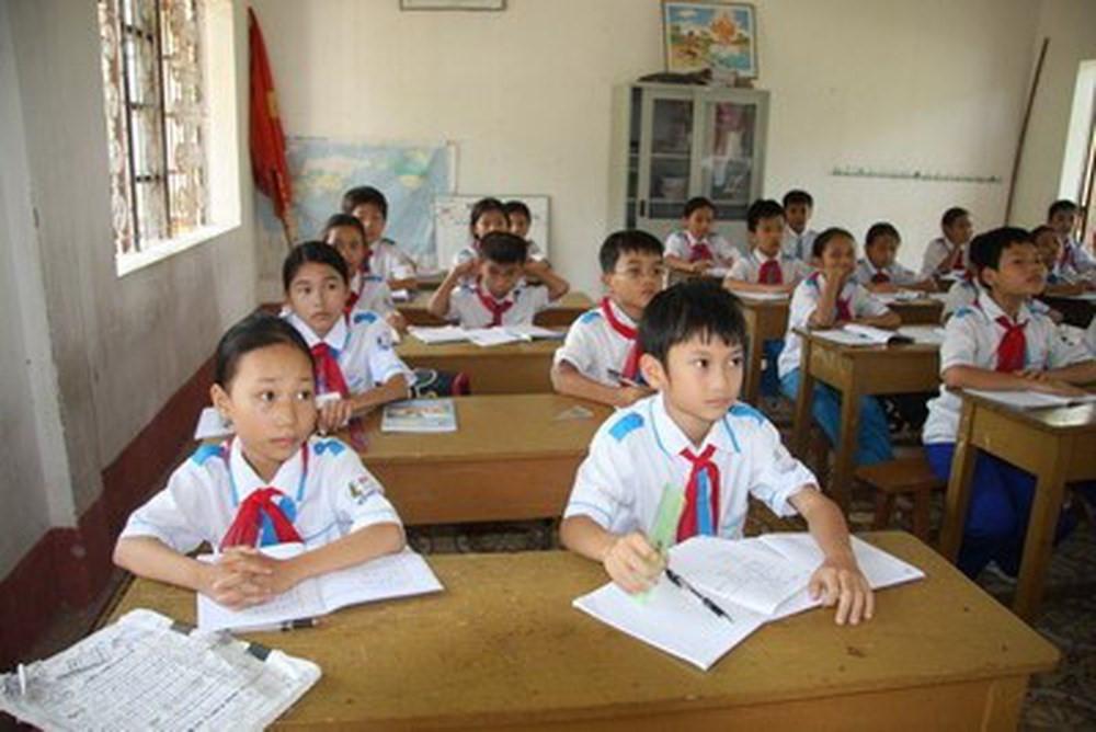 Kiện toàn BCĐ phổ cập giáo dục, xóa mù chữ cấp huyện/thành phố