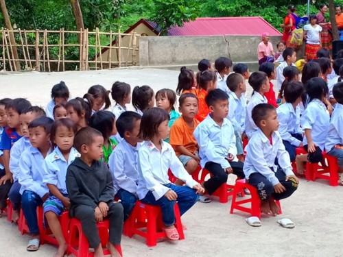 Chuyện học nơi thầy cô vượt hàng chục km đường rừng tới trường - Ảnh minh hoạ 2