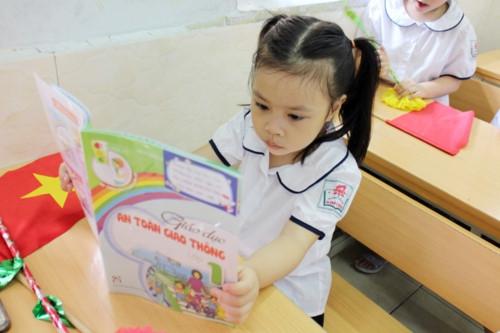 Ngày đầu tiên đi học: Lấp lánh niềm vui và cả nỗi lo… - Ảnh minh hoạ 4