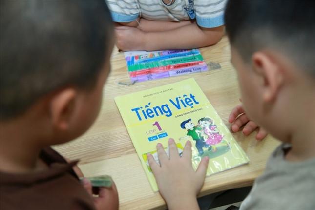 Bộ GD&ĐT báo cáo giải trình về triển khai Tiếng Việt 1 – Công nghệ giáo dục