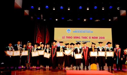437 tân thạc sĩ Trường ĐH Kinh tế Quốc dân nhận bằng tốt nghiệp - Ảnh minh hoạ 2