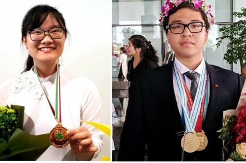 2 học sinh nhận Huân chương Lao động, Bộ GD&ĐT và con số cắt giảm điều kiện kinh doanh ấn tượng - Ảnh minh hoạ 2