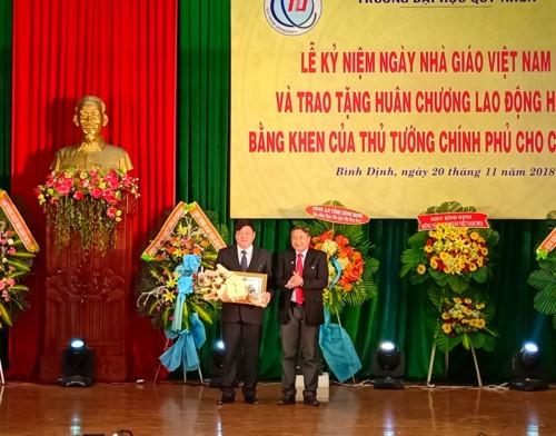 Các cơ sở giáo dục đại học ở miền Trung đón nhận nhiều niềm vui trong ngày 20/11 - Ảnh minh hoạ 3