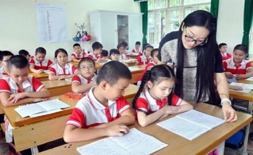 Chương trình giáo dục phổ thông mới: Sớm thay đổi thói quen chỉ dựa vào SGK - Ảnh minh hoạ 3