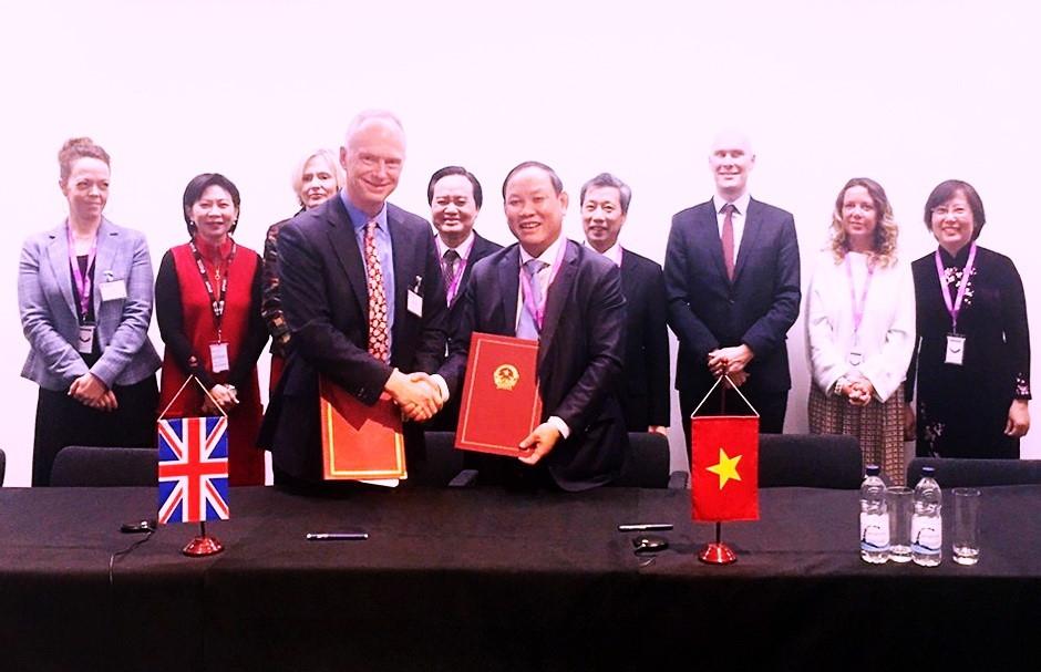 Nhiều ký kết hợp tác quan trọng giữa NXB Giáo dục với các đối tác Vương quốc Anh