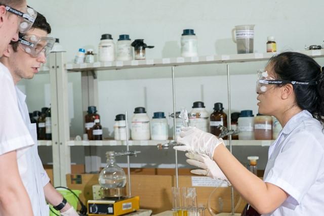 BVU tuyển sinh thạc sĩ Kỹ thuật Hóa học và Đông phương học