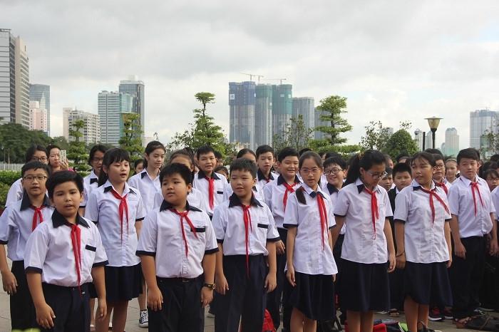 TP.HCM: Học sinh khối 7 thực hiện bài khảo sát trực tuyến