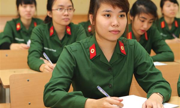Một số trường quân đội dự kiến được tuyển thí sinh cận thị
