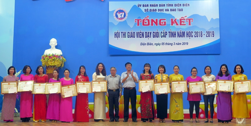 Điện Biên: 366 giáo viên được công nhận giáo viên dạy giỏi cấp tỉnh  