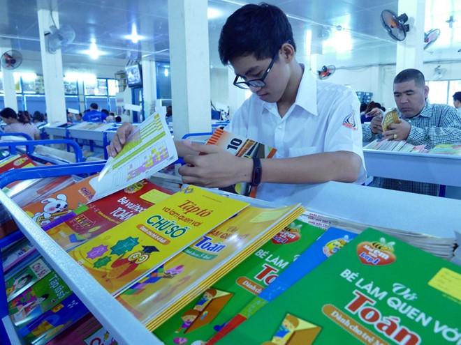 Tán thành quy định mỗi môn học có một hoặc một số sách giáo khoa