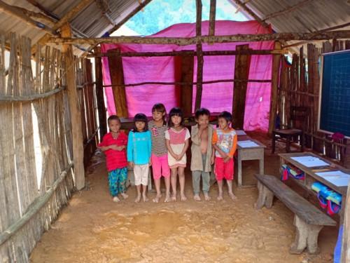 Xót lòng lớp học dưới mưa ở Pá Sập, Lai Châu - Ảnh minh hoạ 3