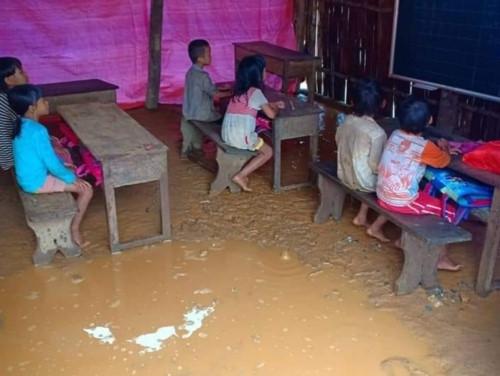 Xót lòng lớp học dưới mưa ở Pá Sập, Lai Châu - Ảnh minh hoạ 2