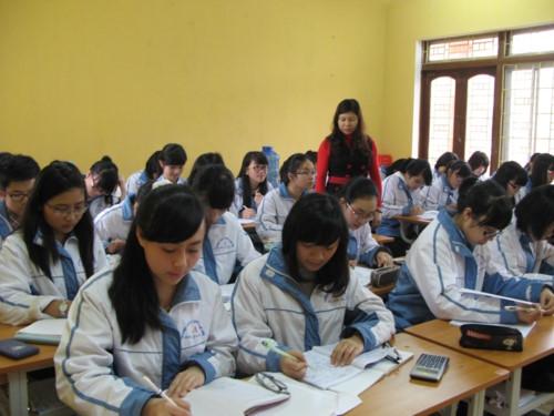 Lào Cai: Lập đường dây nóng tiếp nhận tin tiêu cực, sai phạm giáo dục - Ảnh minh hoạ 2