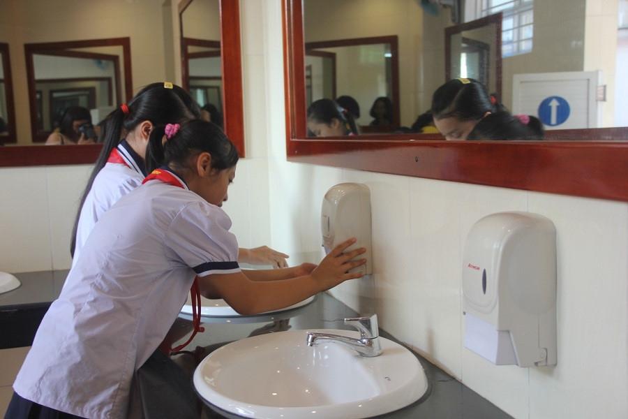TP.HCM: Chấm dứt tình trạng nhà vệ sinh trường học không đạt yêu cầu