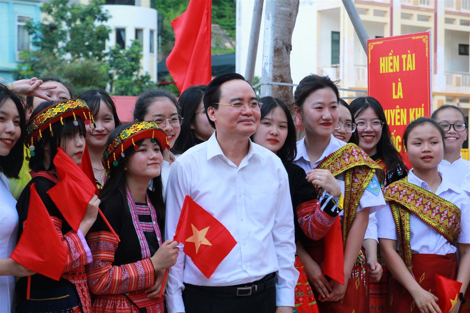 Bộ trưởng Phùng Xuân Nhạ thăm và làm việc tại trường THPT Tô Hiệu, Sơn La - Ảnh minh hoạ 6
