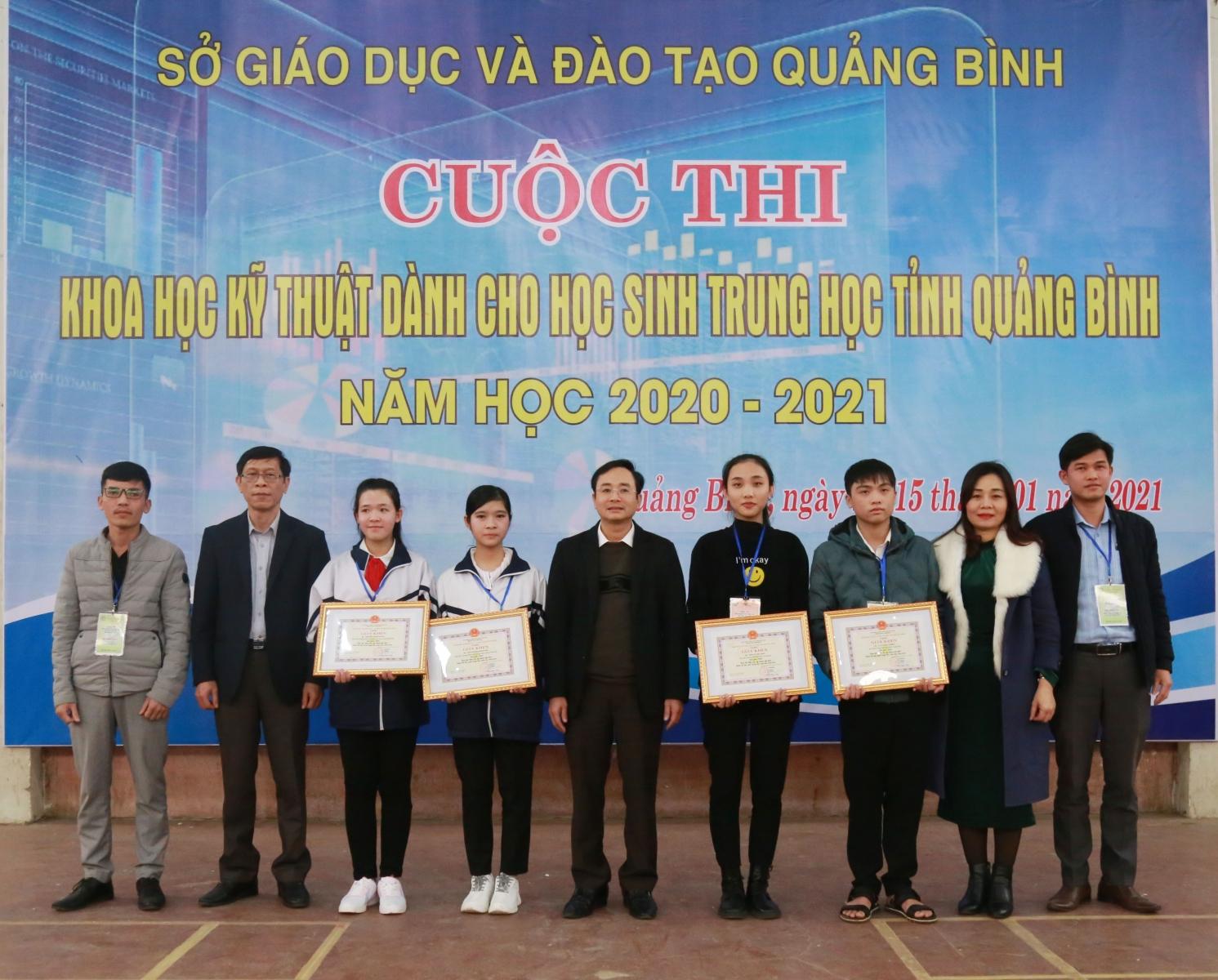 Hội thi KHKT ngành GD&ĐT Quảng Bình: Sáng kiến phục vụ đời sống lên ngôi - Ảnh minh hoạ 3